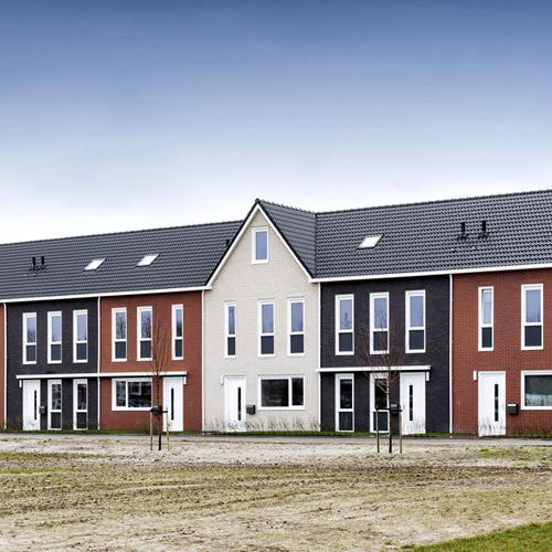 Wonen; Rijtjes huizen gebouwd door Jan Snel